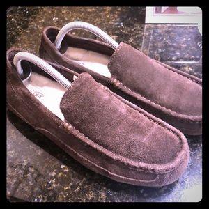 UGG slippers, GUC, worn one season. Brown